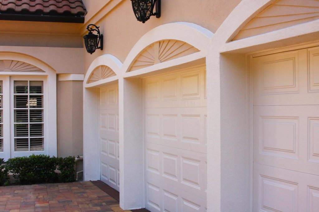 Pasadena-League City TX Professional Painting Contractors-We offer Residential & Commercial Painting, Interior Painting, Exterior Painting, Primer Painting, Industrial Painting, Professional Painters, Institutional Painters, and more.